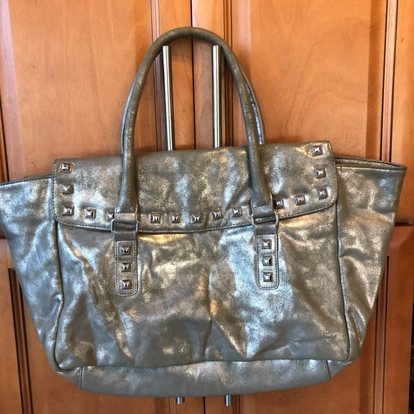 Handbags - 👛2/$15 Large Metallic Silver Gray Satchel
